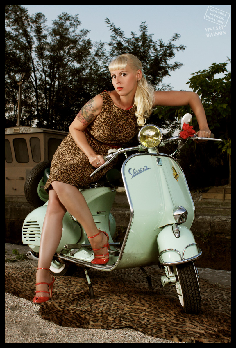 Miss Vero, Vespa girl